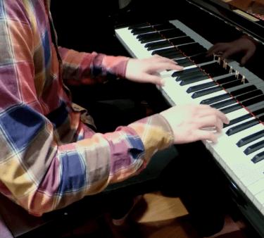 【ZIMUIN G】ピアノソロのジブリメドレーを紹介!有名作品はどう奏でられる?おすすめ動画と本名や年齢・素顔にも迫る